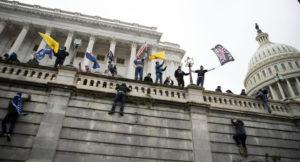 Read more about the article 6to oficial de policía de Seattle investigado por estar en Washington, D.C., el día del asaltó a el Capitolio