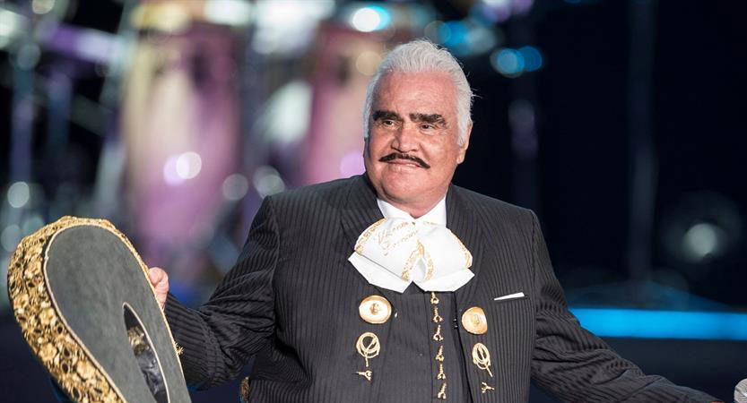 You are currently viewing VICENTE FERNÁNDEZ CUMPLE DOS MESES HOSPITALIZADO