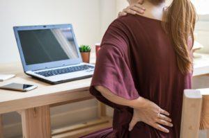 Read more about the article Trabajar desde casa tiene un costo físico