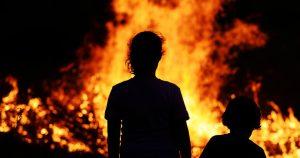 Read more about the article Un incendio obliga a las autoridades a evacuar 500 casas  en Palisades California