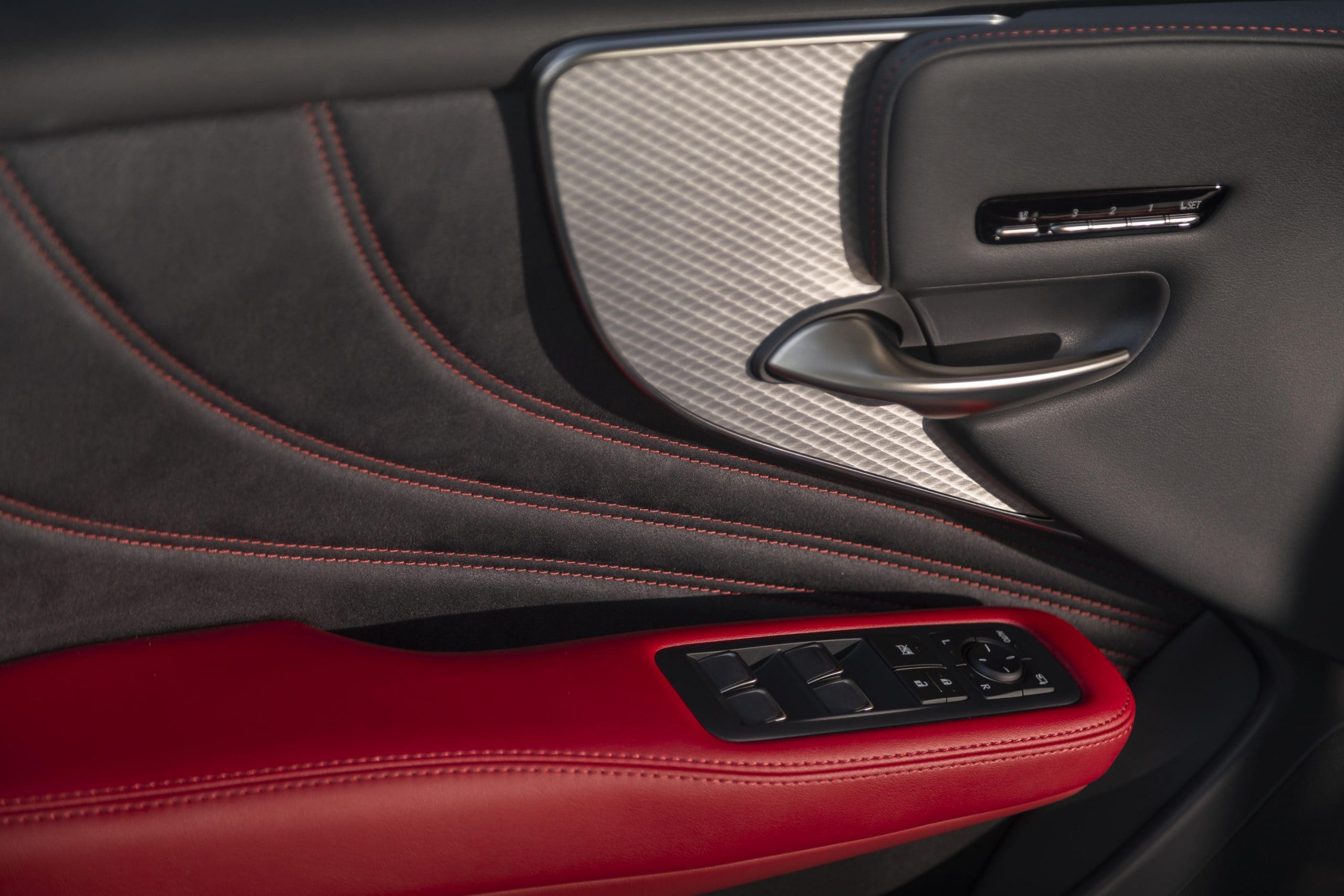 2021_Lexus_LS-500_F-Sport_Atomic_Silver_018-scaled